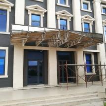 Монтаж на метална конструкция - външна реклама Варна