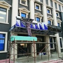 Монтаж на алуминиеви панели еталбонд върху метална конструкция - външна реклама Варна